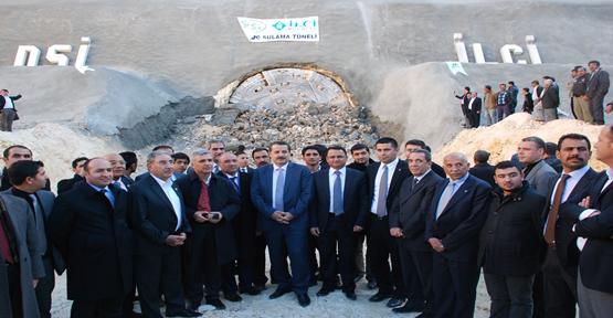Bakan Çelik Tünelin açılışını yaptı