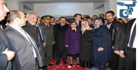 Bakan Şahin ve Çelik Kadın Kültür Merkezini Açılışına Katıldı