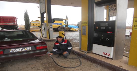 Benzin zammı, satışları azalttı