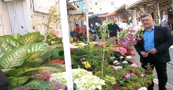 Çiçekçiler işsizlikten yakınıyor