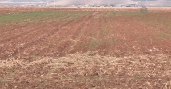 Çiftçi yağış sıkıntısı çekiyor