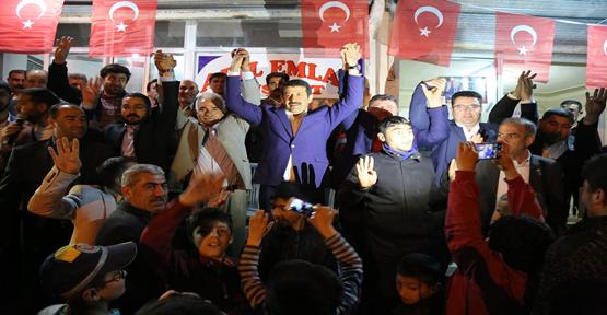Ekinci, Vatandaşlara 16 Nisan'ın önemini anlattı