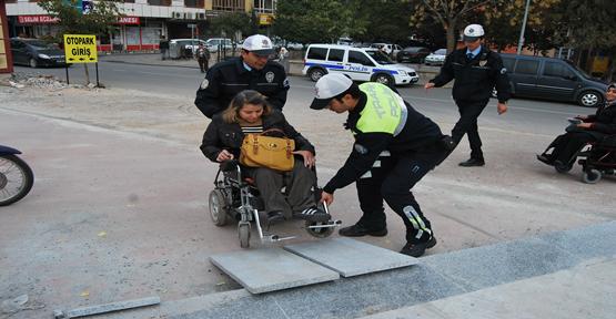 Engelliler Zorluk Yaşıyor