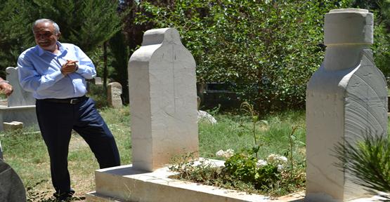 Fakıbaba Annesinin Ve Babasının Mezarını Ziyaret Etti