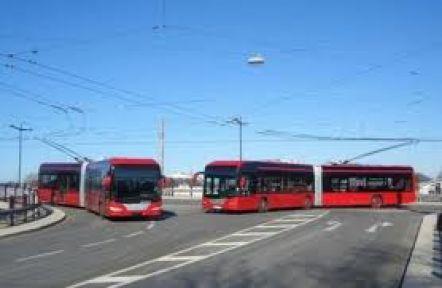 Fakıbaba Troleybüs İçin Singapur Yolcusu