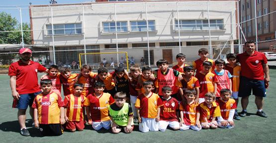 Galatasaray futbol okulu Harıl harıl çalışıyor