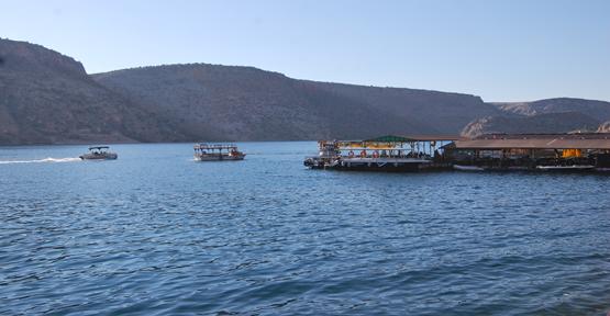 Halfeti Bayramda Turist Akını Uğradı