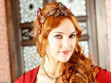 Hürrem Sultan Çifte düğün ile   evleniyor