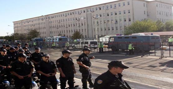 KCK'da Sanıklar ve Avukatları Duruşmadan Çekildi