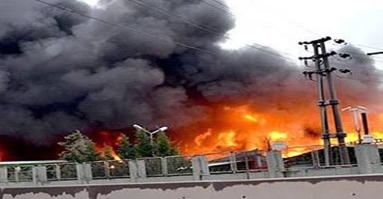 Kimya Fabrikası yanıyor