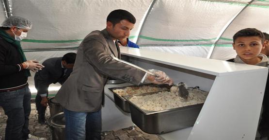 Mülteciler için Akçakale'de aş evi