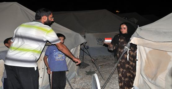 Mültecilere  Hurma Dağıtıldı