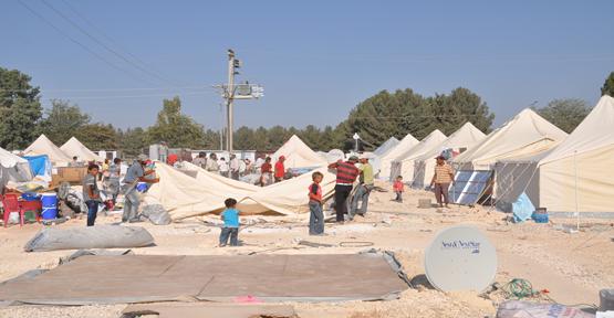 Mültecilerin Çadırları Yenileniyor