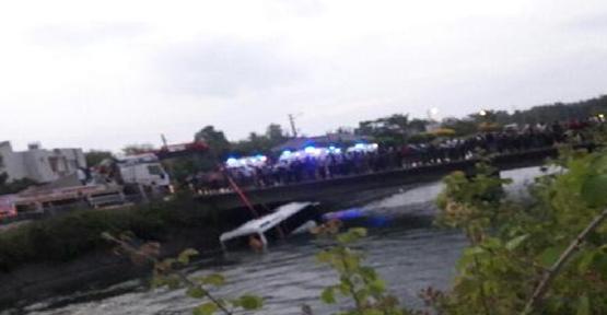 Öğrenci otobüsü devrildi, 14 ölü