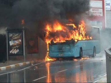 Otobüse molotof atıldı