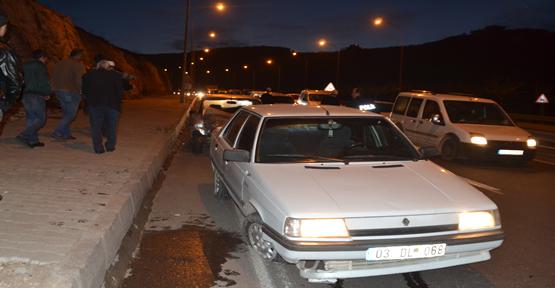 Otomobil Akabe İnişinde kaza yaptı:2 Yaralı