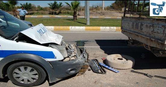Polis Aracı Kaza Yaptı