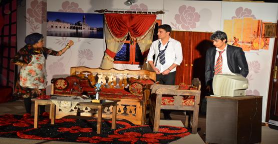Polis'ten 'Genç Yıldızlar' Tiyatrosu