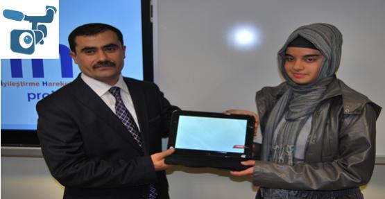 Şanlıurfa'da 9. Sınıflara Tablet Dağıtıldı