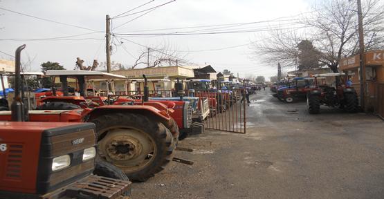 Şanlıurfa'da Traktörler Dolu Dizgin