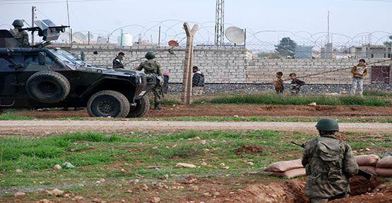 Suriye sınırında kaçakçı gruba ateş açıldı