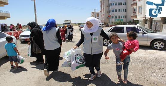 Suriyeli Yetimlere Giyim Yardımı