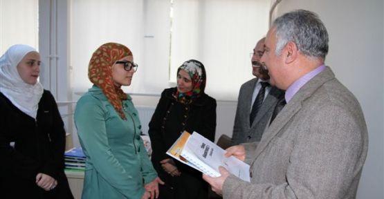 Suriye'lilere Türkçe Kursu