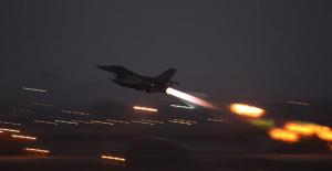 ABD Suriye#039;yi Vurdu
