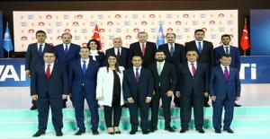 Cumhurbaşkanı Erdoğan Urfalı adaylarıyla ilk poz
