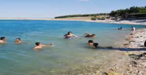 Atatürk Barajına Giren Genç Boğuldu