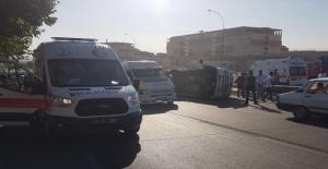 Şanlıurfa'da Servis Minibüsü Devrildi