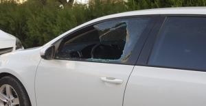 TOKİ'de Araçların Camları Kırıldı