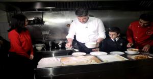Pekin Büyükelçisi Önen, Türk Yemeklerini Tanıttı