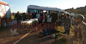 Urfa'da Öğrenci Servisi İle İşçi Servisi Çarpıştı, 3 Ölü, 19 Yaralı