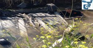 Akçakale Yolunda Otomobil Sulama Kanalına Düştü
