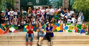 100'ü Türk, 100'ü Suriyeli 200 Çocuk Bir Araya Geldi