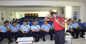 İtfaiye Ekipleri Cezaevi Personeline Yangın Eğitimi Verdi