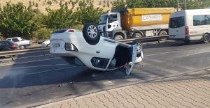 Urfa'da Kontrolden Çıkan Otomobil Takla Attı!