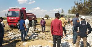Urfa'da  8 Ton Pamuk Bir Anda Alev Aldı