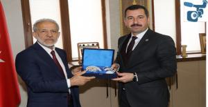 Rektör Çelik'ten Karaköprü Kültür Merkezine Övgü