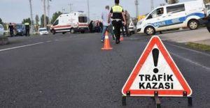 Urfa'da Trafik Kazası:1 Ölü, 2 Yaralı