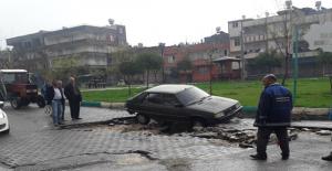 Urfa'da Sağanak Yağmur Hayatı Olumsuz Etkiledi