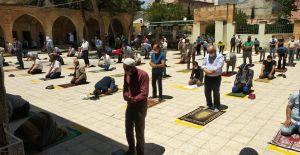 Şanlıurfa'da 74 gün sonra cuma namazı kılındı!