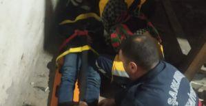 Haliliye'de asansör boşluğuna düşen genç yaralandı
