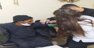 Urfa'da soğuk havada sokakta kalan vatandaşa sahip çıkıldı