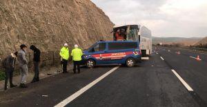 Urfaquot;da yolcu otobüsü tırı...