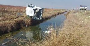 Şanlıurfa'da otomobil sulama kanalına uçtu