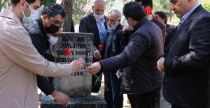 Urfa'nın unutulmaz ismi mezarı başında...