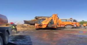 Urfa'da saman balyası yüklü tır yandı