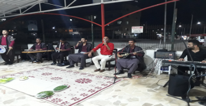 Mersin Sahilinde Urfa Sıra Gecesi Coşturdu